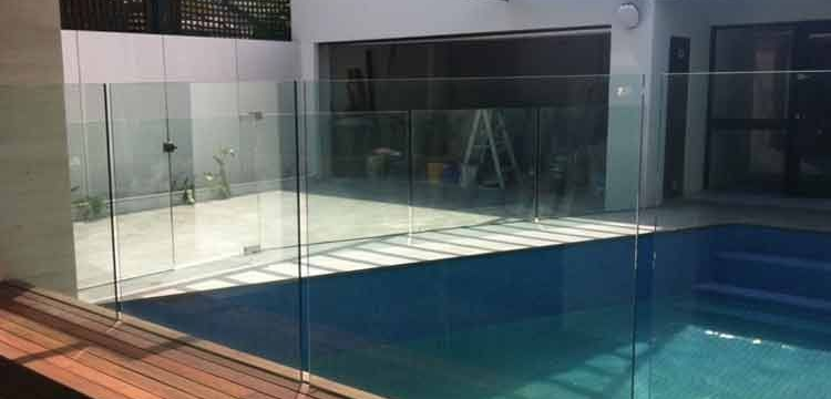 glass balustrades around pool area