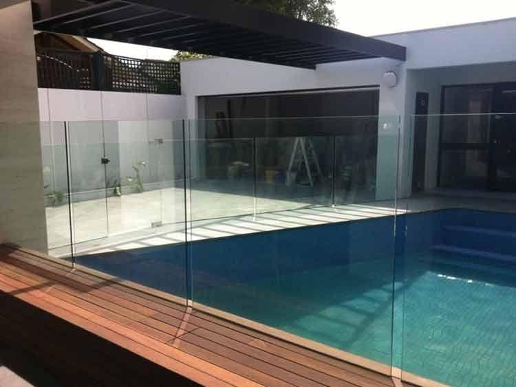 glass balustrades around pool area