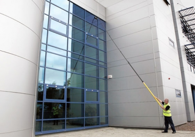 find the right professional window cleaning equipment. Here are a few things to help you with finding window cleaning tools and devices.