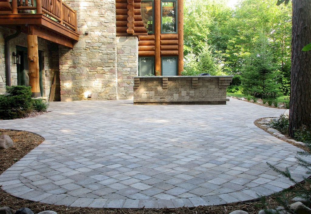 Outdoor pavers have an incredible combination of flexibility and abrasion resistance. This enables them to make quite durable and strong pavements that can handle extreme pressure from vehicles and pedestrians alike without the need for regular maintenance.