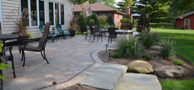 Pavers are one of the best materials to install in the exterior of your home. These outdoor pavers have numerous benefits.