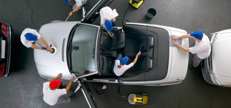 39376813-car-cleaning-team