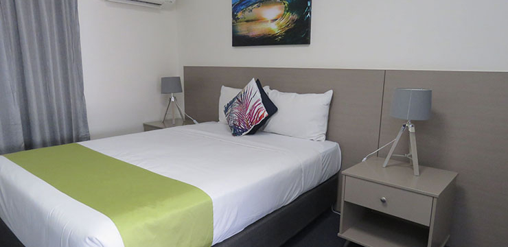Even though we are looking for cheap accommodation in Mt Isa Qld, you should have a budget in place. Different hotels and stay-inns will have different prices for their rooms.